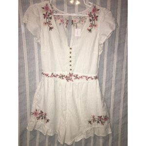 American Eagle New With Tags Short Sleeve Romper